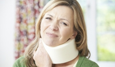 woman-wearing-neck-brace-from-car-accident-injury